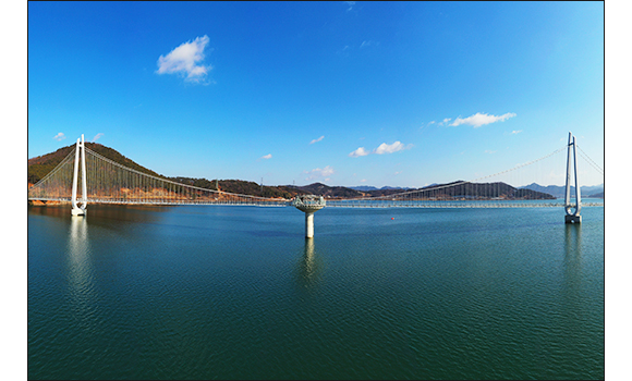 논산 탑정호 출렁다리 전경